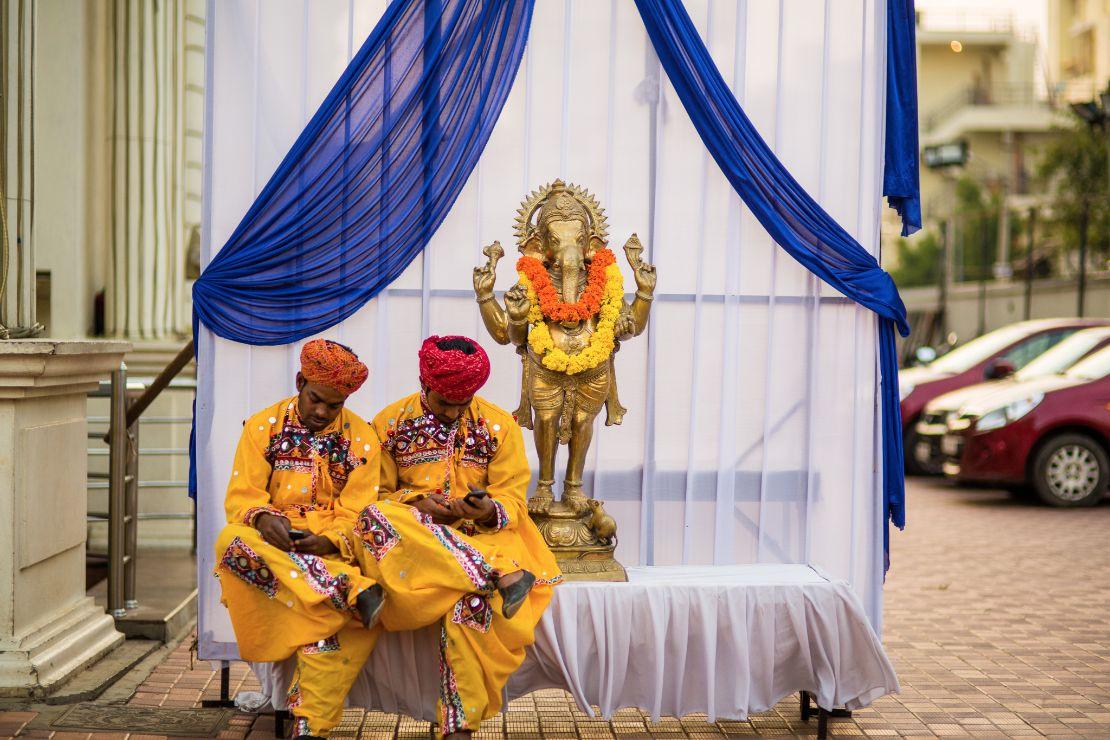 candid-wedding-photographer-bangalore-1004