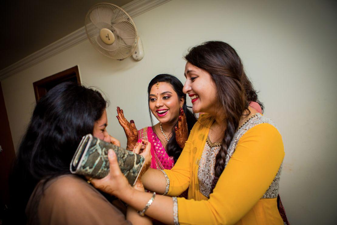 candid-wedding-photographer-bangalore-1022
