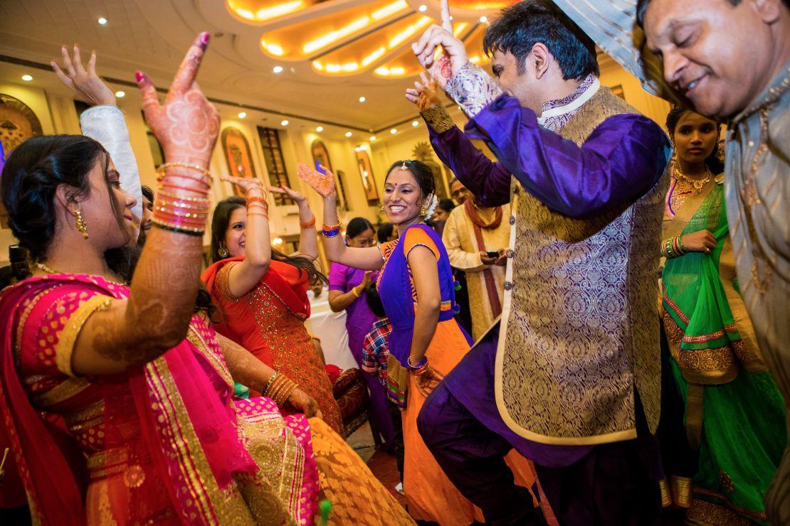 candid-wedding-photographer-bangalore-1122