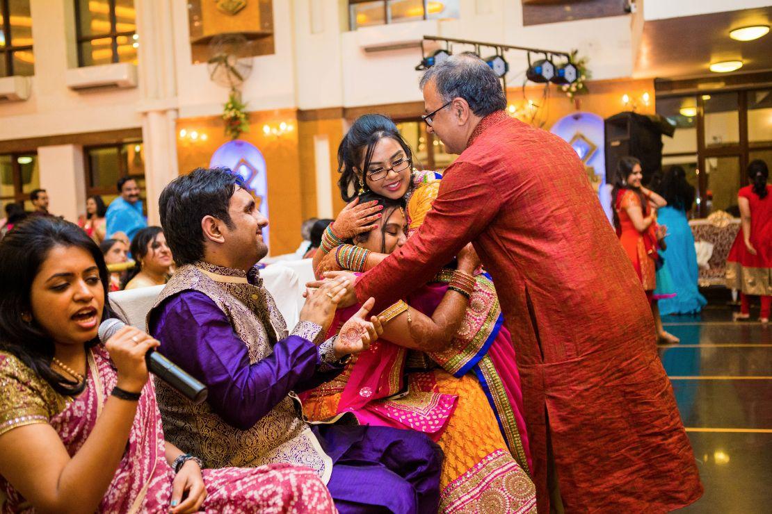 candid-wedding-photographer-bangalore-1190