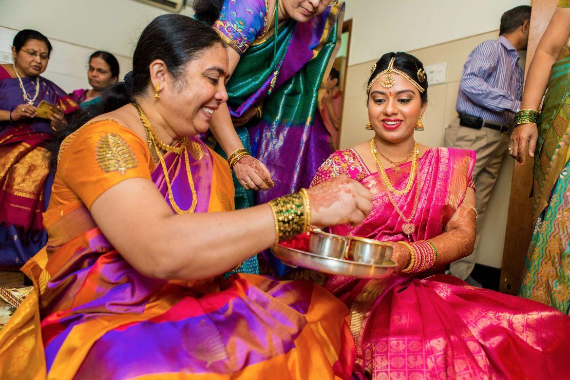 candid-wedding-photographer-bangalore-1392