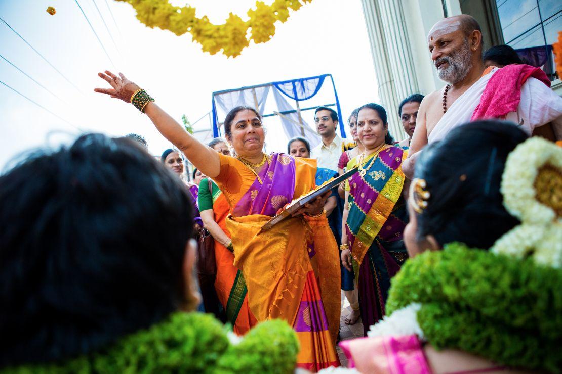candid-wedding-photographer-bangalore-1578