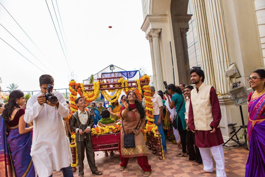 candid-wedding-photographer-bangalore-1593