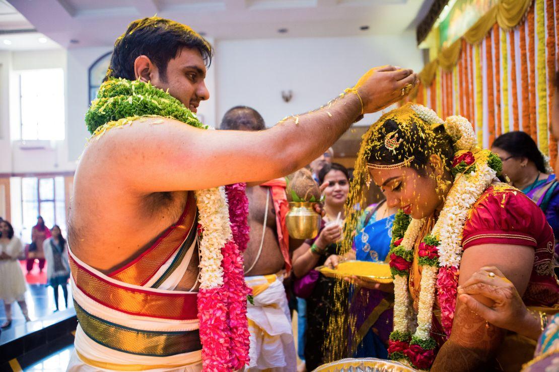candid-wedding-photographer-bangalore-1772
