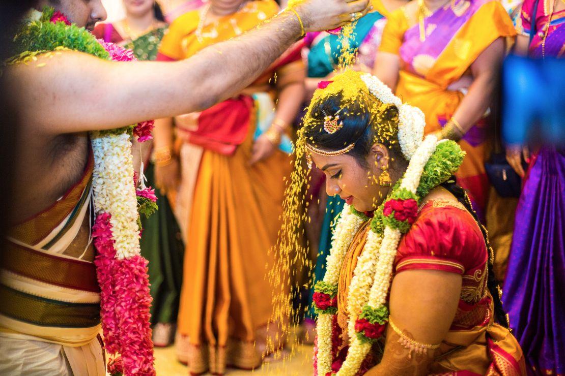 candid-wedding-photographer-bangalore-1785
