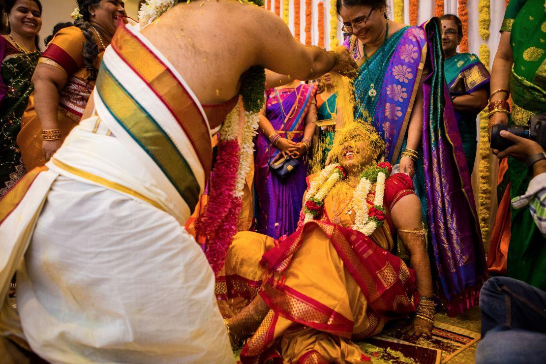 candid-wedding-photographer-bangalore-1796